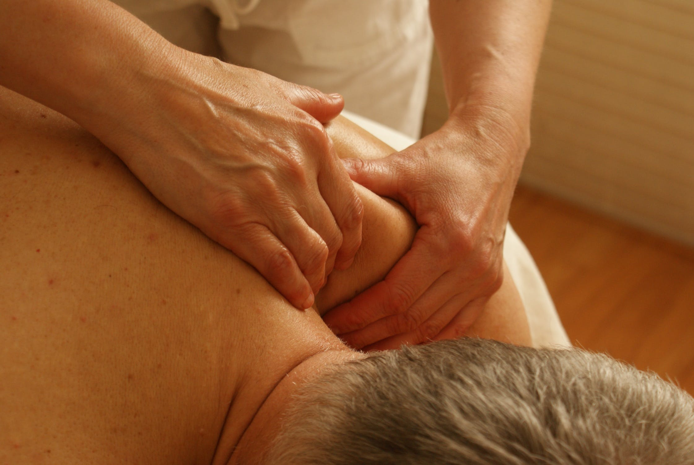 chronic back pain chiropractic care | Pacific Health & Sports Therapy